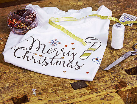 Sweater with Merry Christmas print
