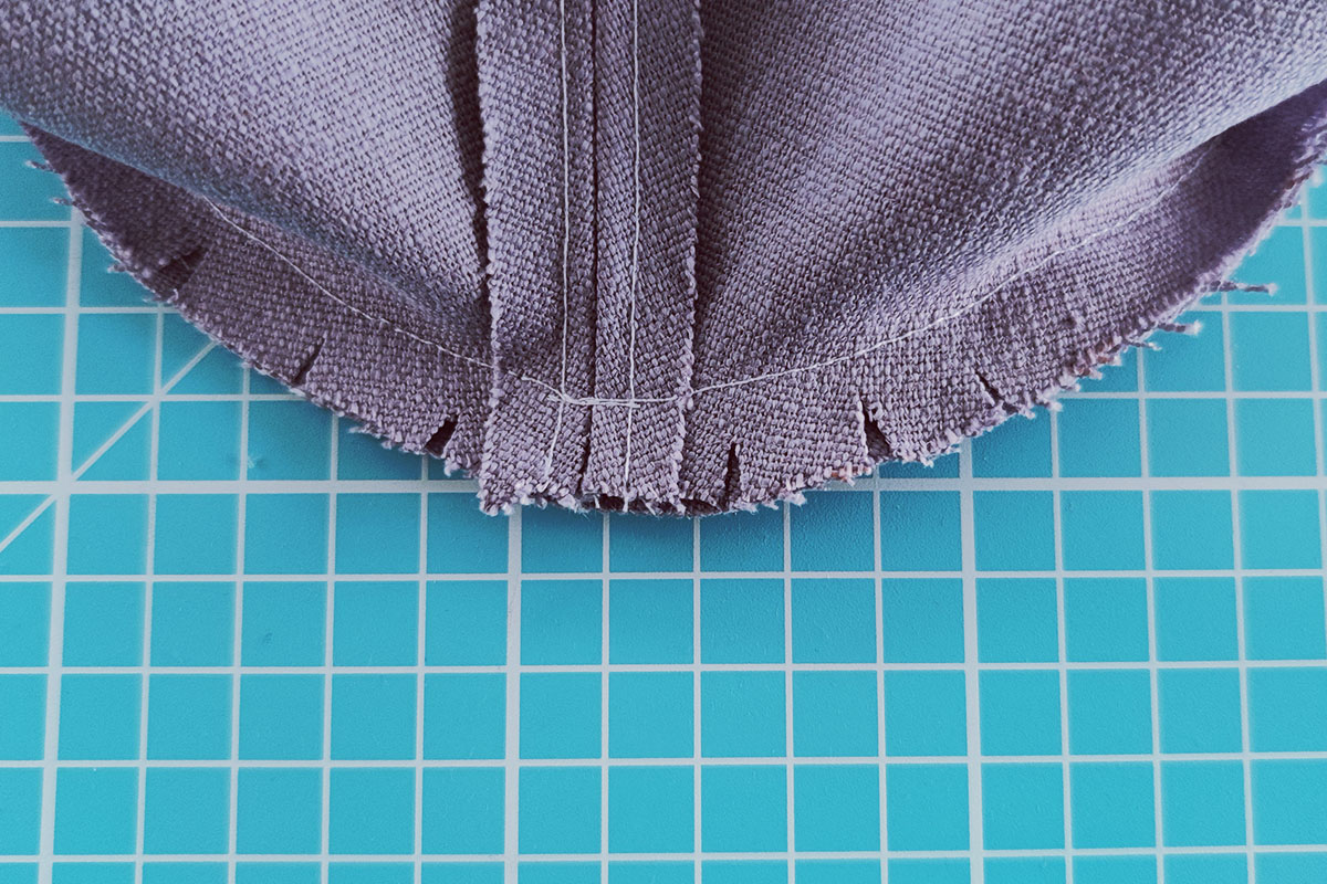 Sewing instructions for a bucket hat - step 5