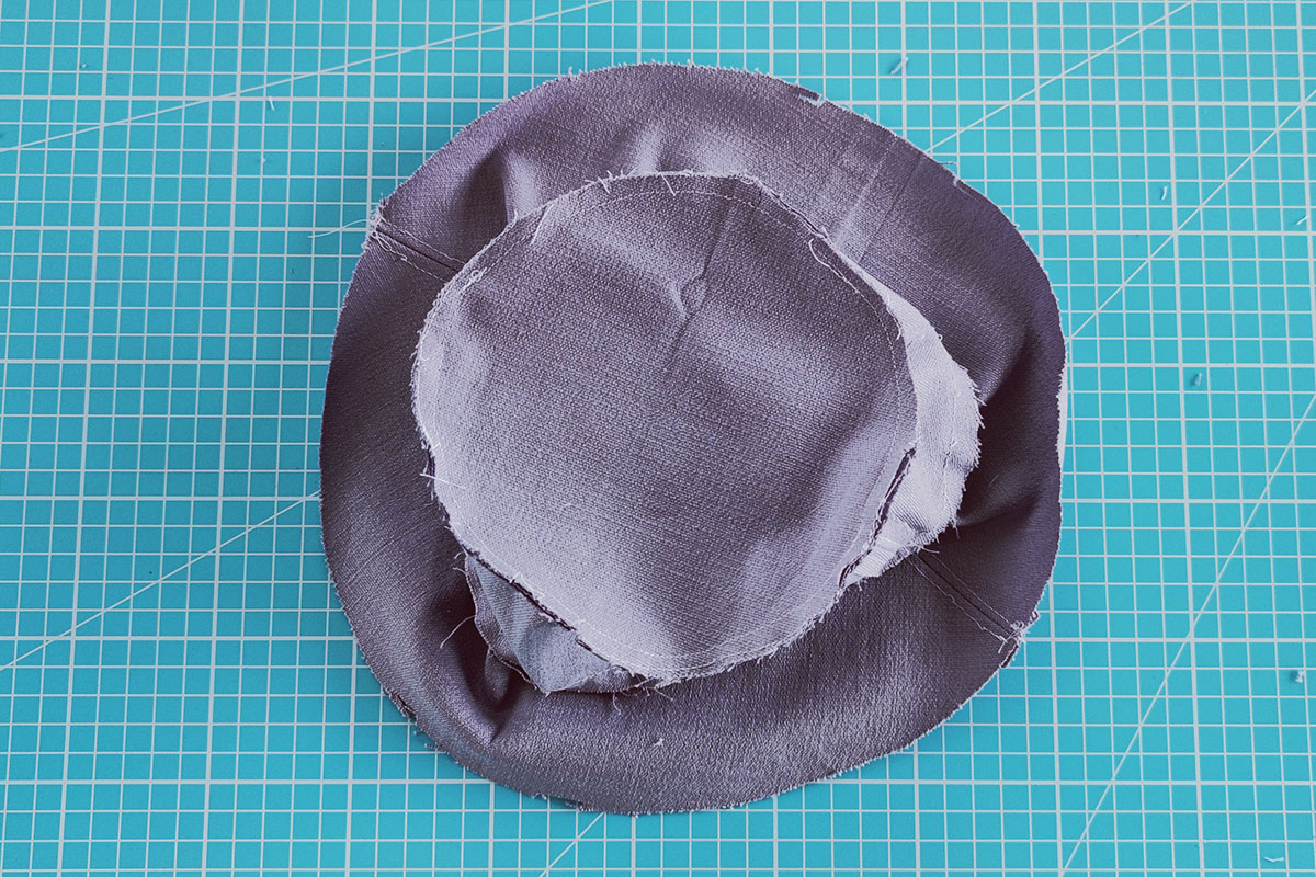 Sewing instructions for a bucket hat - step 7